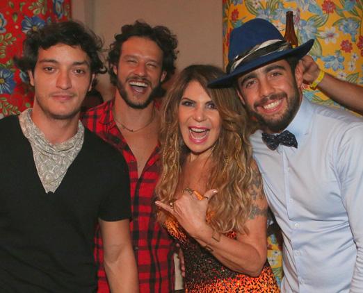 Allan Souza Lima, Nando Rodrigues, Elba Ramalho e Pedro Scooby