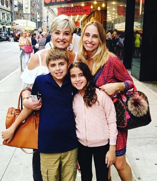 Paula Almeida com a filha e os netos