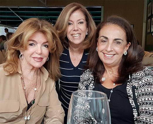 Sylvia de Castro entre Sonia Simonsen e Tania Carvalho