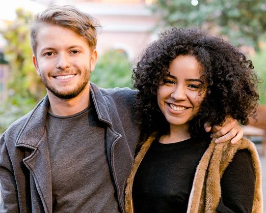 Victor Niskier e Debora Souza
