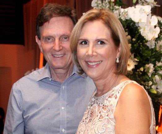 O prefeito Marcelo Crivella e a aniversariante