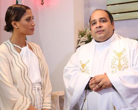 Camila Pitanga e Padre Omar