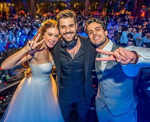 DJ Alok com os noivos