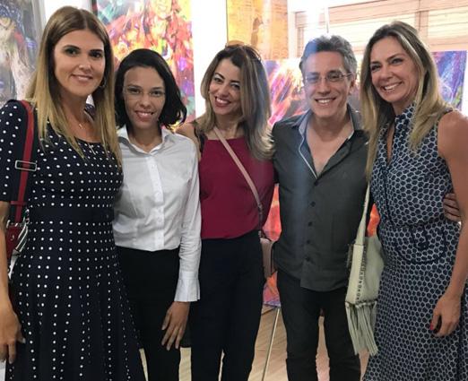 Henrique Vieira Filho e Fabiana Vieira com Claudia Lobo, Paloma Perdigão e Márcia Veríssimo