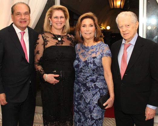 Luiz e Gloria Severiano Ribeiro com Ruth e Arnaldo Niskier