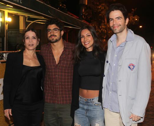 Caio Castro e Mariana com Liège e Luiz Fernando