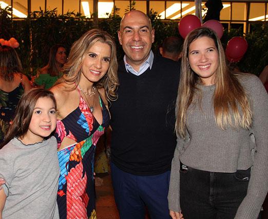 Giuliana, Adriana Alves, Marcelo Alves e Eduarda