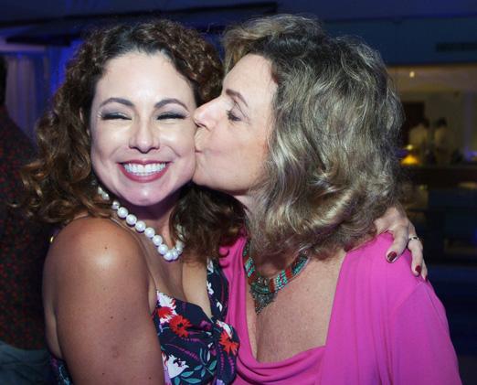 Renata Araújo com a mamy Rosa Maria