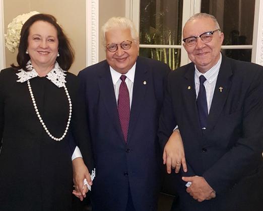 Beth e Carlos Alberto Serpa com o Padre Josafá de Siqueira