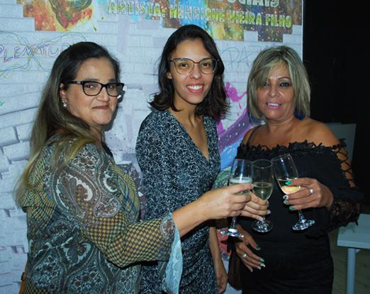 Regina Crea, Fabiana Vieira e Vanusa de Matos