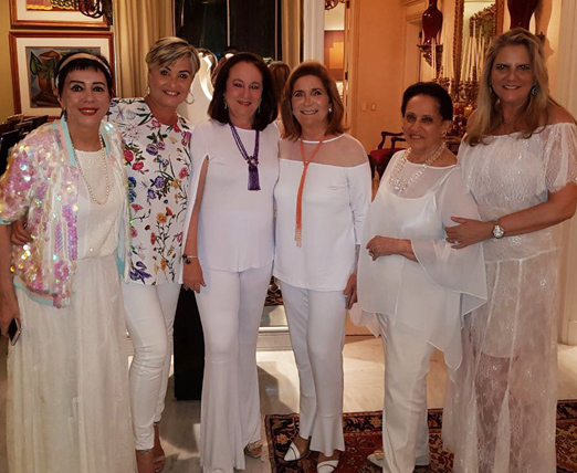 Beth Serpa entre Yacy Nunes, Paula Almeida, Ruth Niskier, Belita Tamoyo e Maninha Barbosa