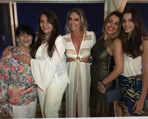 Micheline Thomé, Ana Cristina Vaz, Márcia Veríssimo (com look by Dennys Feitosa), Paloma Perdigão e Sofia Hasse