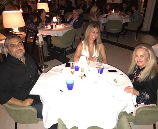 O casal Marcelo e Tania Badin ao lado de Brunete Fraccaroli