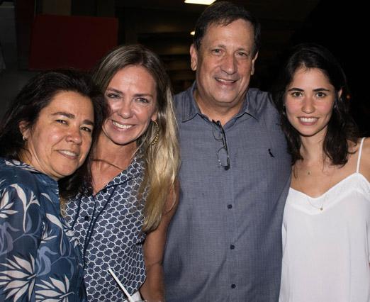 Márcia Veríssimo entre Cristina, Carlos Alberto e Alice Mariz