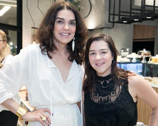 Beth Accurso e Julia Lins