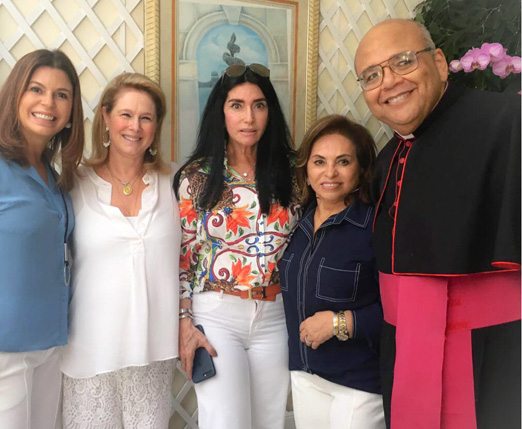 Raquel Verri, Glória Severiano Ribeiro, Elda Monnerat, Cleuba Verri e Padre Jorjão